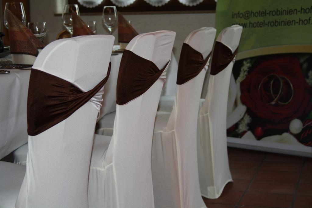 Stuhlhussen mit Schleife braun/beige
